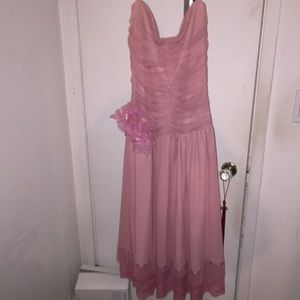 Dresses & Skirts - Pink strapless dress